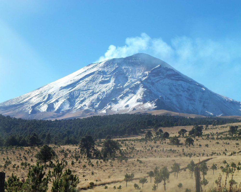 volcano-950313_1920